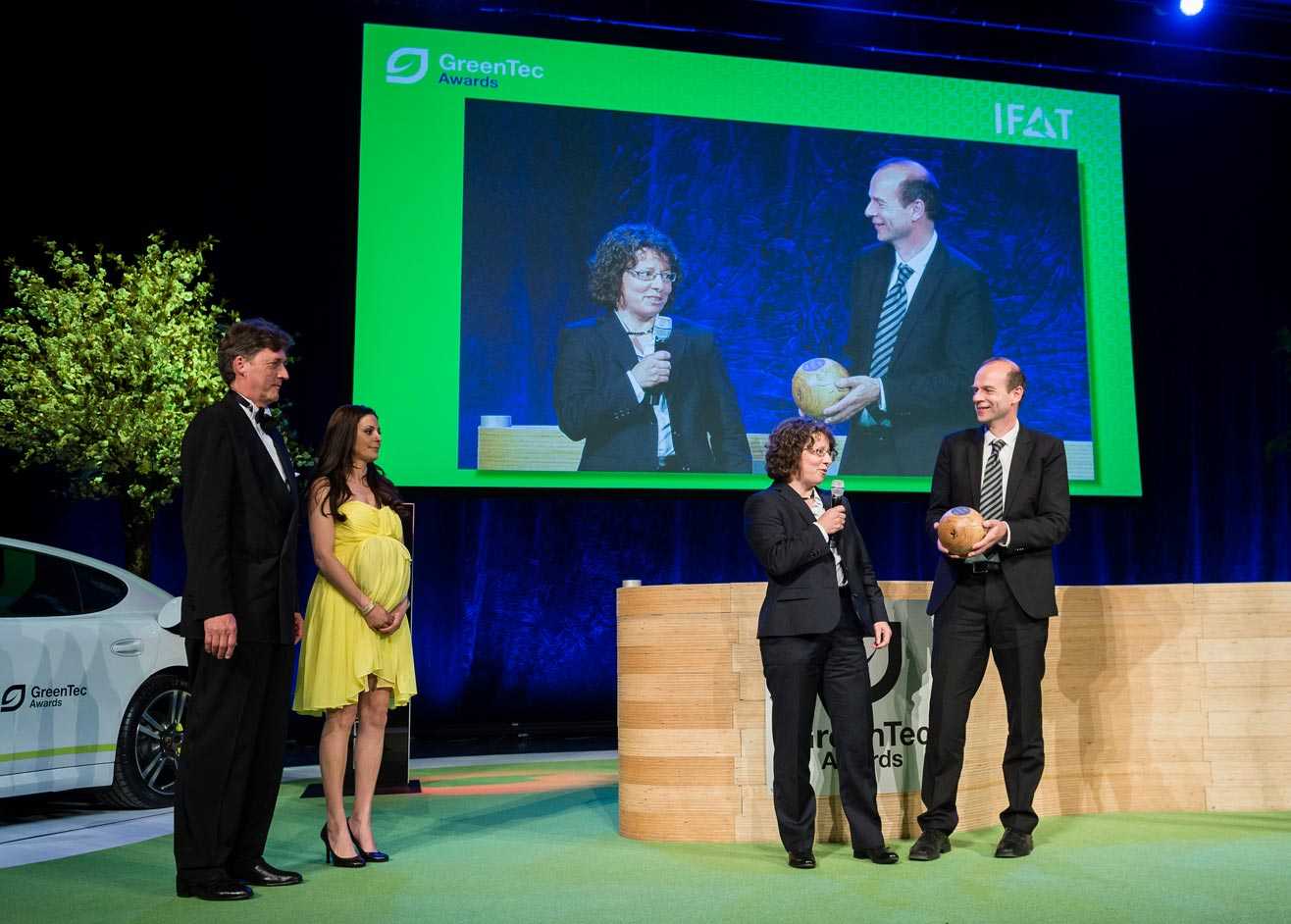 Continental Wins GreenTec Awards 2014 for Dandelion Rubber