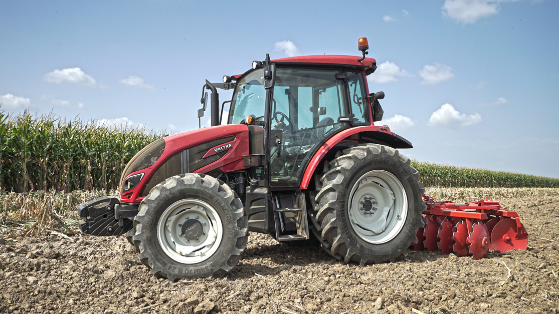 Collaboration with Valtra: Continental Acquires First OE Customer for New Radial Tractor Tyre