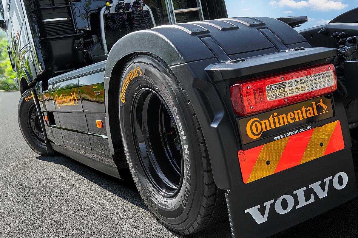 Volvo_Conti_Mjoelner_Tire1 Kopie1