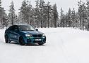 Un tocco di colore nella neve: La Hamann blu