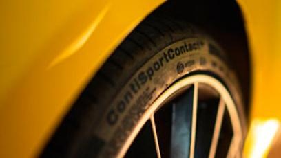 Mercedes A35 com pneu ContiSportContact 5