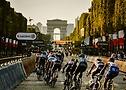Kolesarji na Elizejskih poljanah na dirki Tour de France 2020 - A.S.O. Pauline Ballet