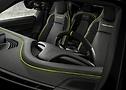Innenansicht des Porsche Taycan mit TECHART Lenkrad und Ledersitzen  | Continental