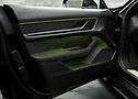 Detailansicht Interieur Porsche Taycan im TECHART Design | Continental