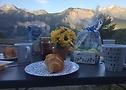 Frühstück mit Blick auf die Rennstrecke