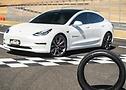 Foto do Tesla Model 3 Performance calçados com pneu com tecnologia ContiSilent - Foto 6