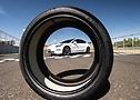 Foto do Tesla Model 3 Performance calçados com pneu com tecnologia ContiSilent - Foto 7