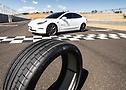 Foto do Tesla Model 3 Performance calçados com pneu com tecnologia ContiSilent - Foto 8