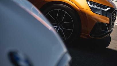 Audi Q8 Performance Black x BMW X6 XDRIVE40 i M Sport - Wallpaper