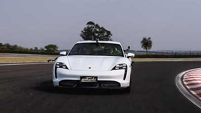 Porsche Taycan Turbo S (elétrico) - Wallpaper
