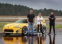ContiTuningTag 2021: Niki Schelle, Sophia Calate und Daniel Dörrschuck (v.l.) vor dem Toyota GT86 – Drift Challenge