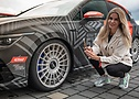 ContiTuningTag: Influencerin Sophia Calate vor dem Golf R von Eibach Racing